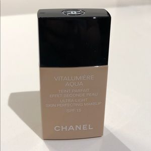 Chanel VITALUMIERE Aqua foundation spf 15